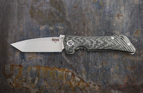 EDC knife with folding, 3.25-inch modified tanto blade made of S35VN steel.